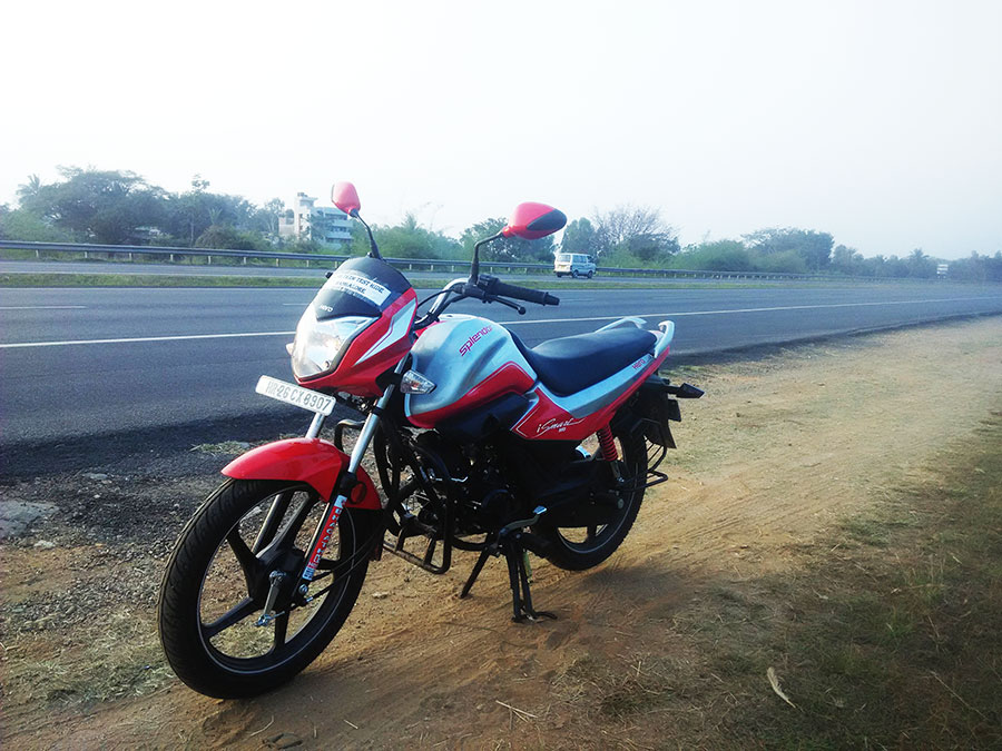 Hero Splendor iSmart Front Sideview photo