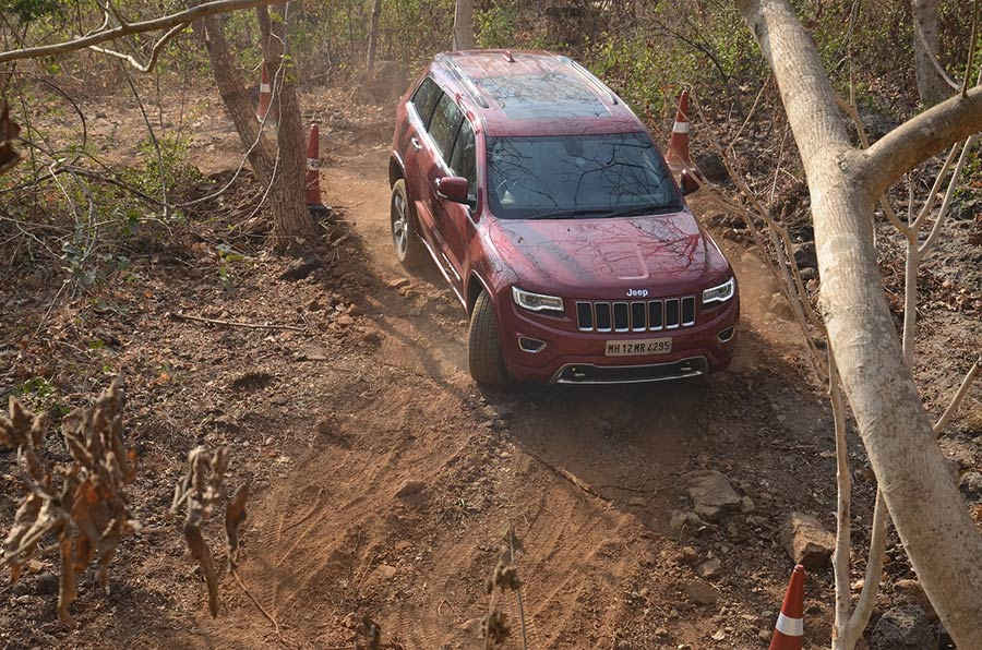 Jeep-Grand-Cherokee-Off-Road-Photos
