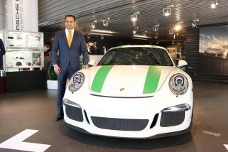Limited edition Porsche 911 R Launched in India