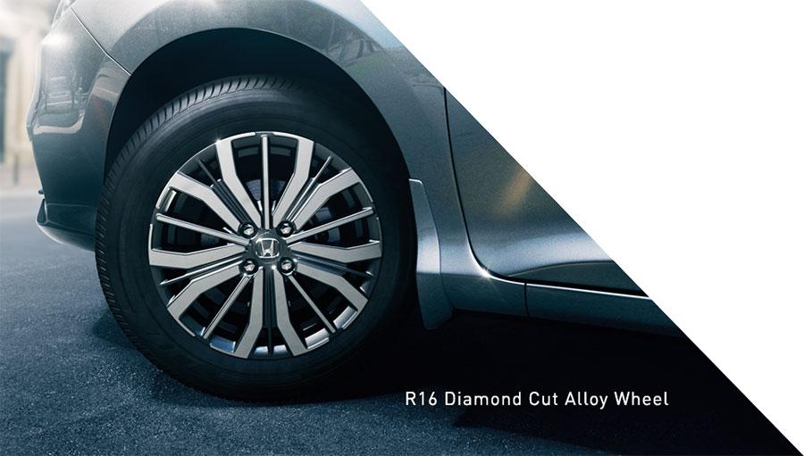 New-2017-Honda-City-Diamond-Cut-Alloy-Wheels