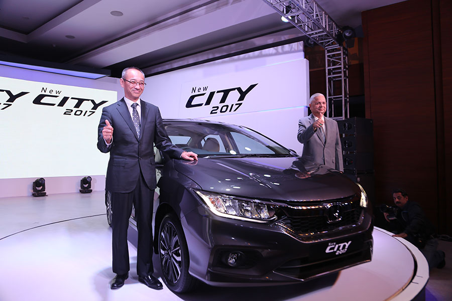 New-2017-Honda-City-Launched-in-India-2
