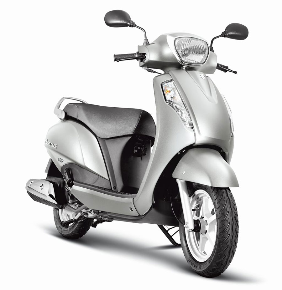 New-2017-Suzuki-Access-Metallic-Sonic-Silver-resized