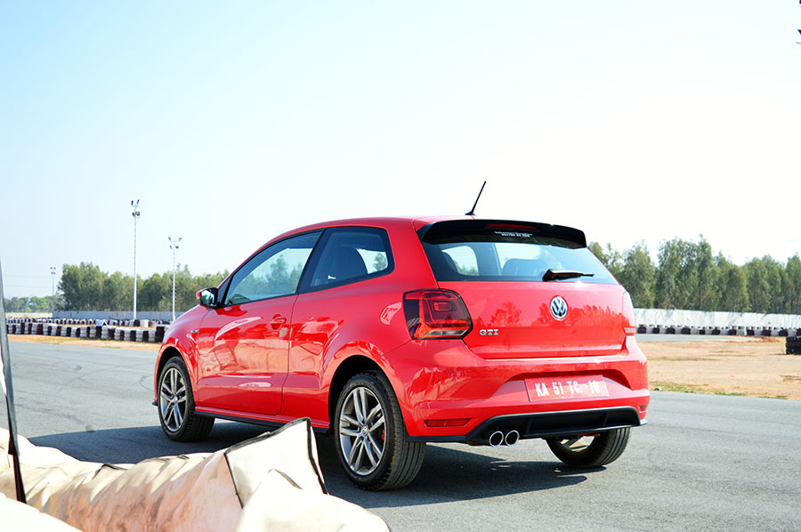 Volkswagen-GTI-Red-Rear-Photo