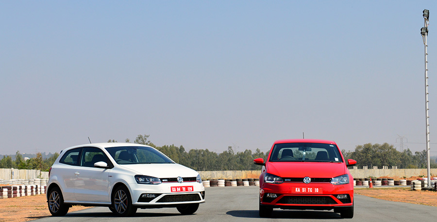 Volkswagen-GTI-White-and-Red-Color-Photos