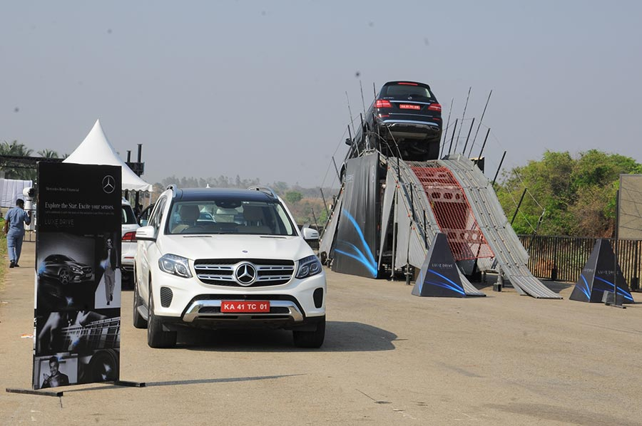Expert-drivers-showcasing-various-vehicle-dynamics-and-features-of-Mercedes-Benz-cars-at-Luxe-Drive-Bangalore-(1)