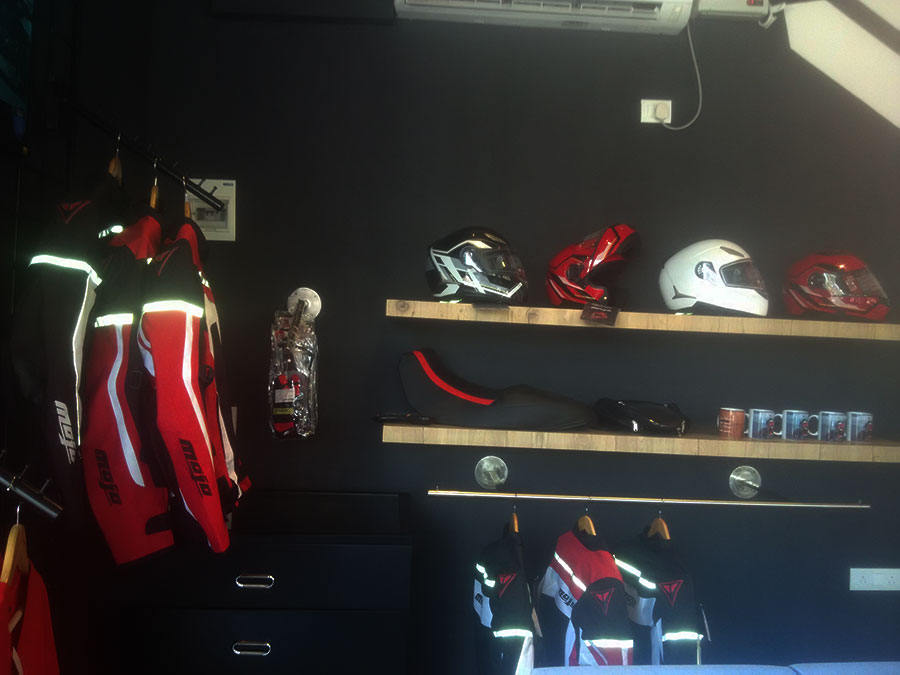 Mojo-Exlusive-dealership-accessories