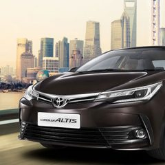 New Updated 2017 Toyota Corolla Altis Launched at INR 15.87 Lakhs