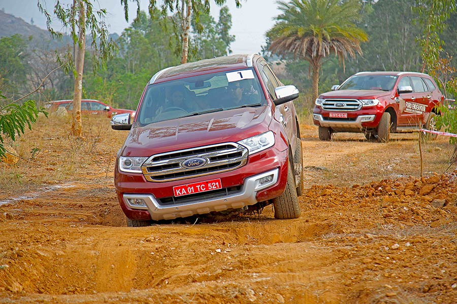 Off-road-Ford-Endeavour-Photo-6