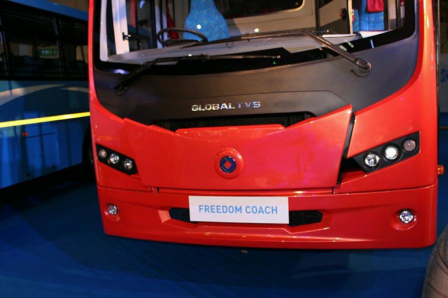 Ashok Leyland showcases iEGR technology for BS4 engines - GaadiKey