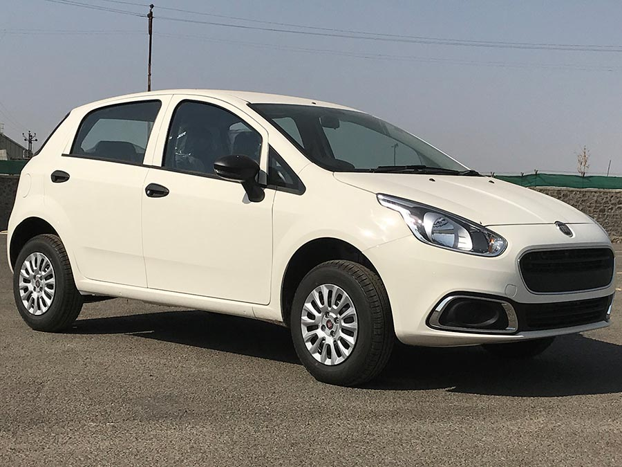 2017 fiat punto evo pure launched at rs lakh gaadikey
