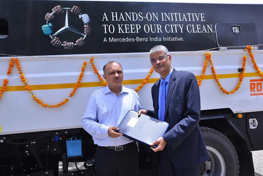Mercedes-Benz Clean City Truck 2