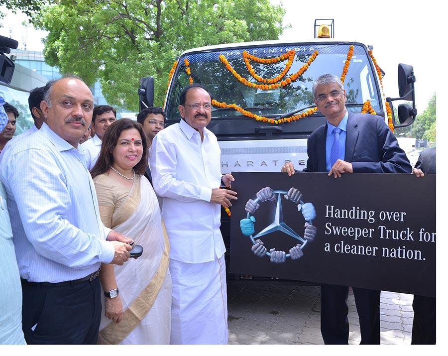 Mercedes-Benz Clean City Truck 1
