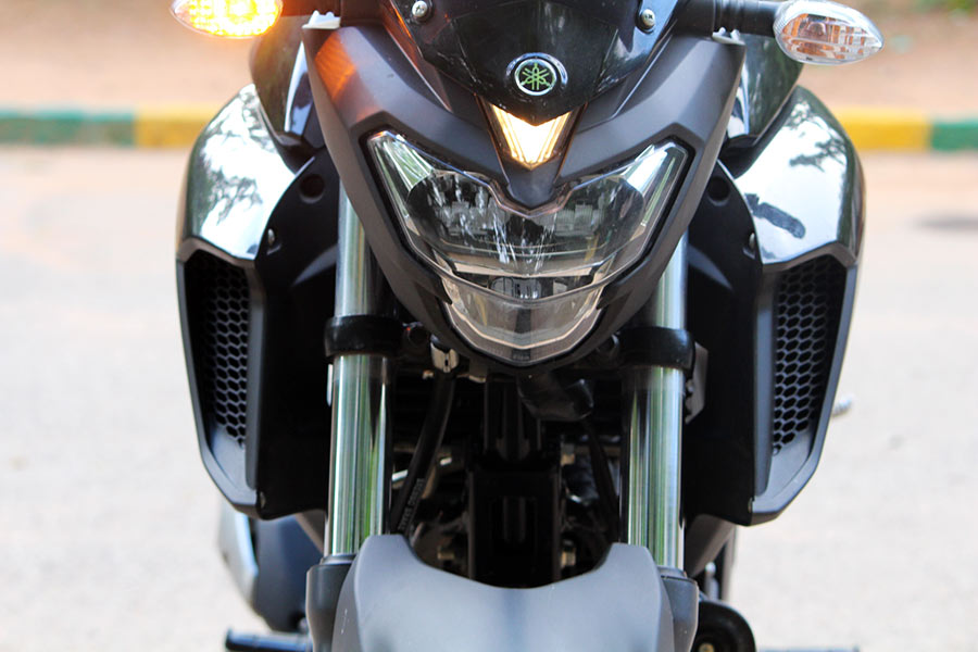 Yamaha FZ25 Review (Knight Black) - Perfect Powerful 250cc