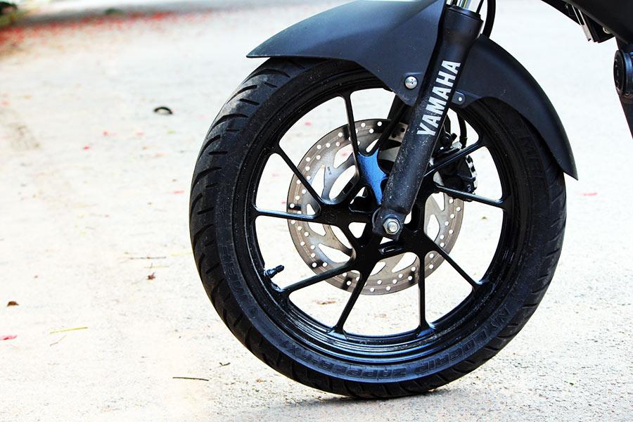 GaadiKey — Yamaha FZ25 Review – Perfect Powerful 250cc