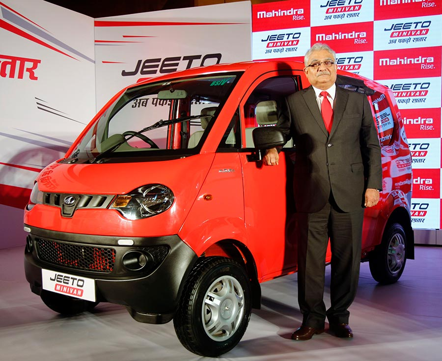 Mahindra Jeeto Mini van launched