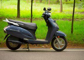 2017 Honda Activa 125 Review: Midnight Blue Metallic