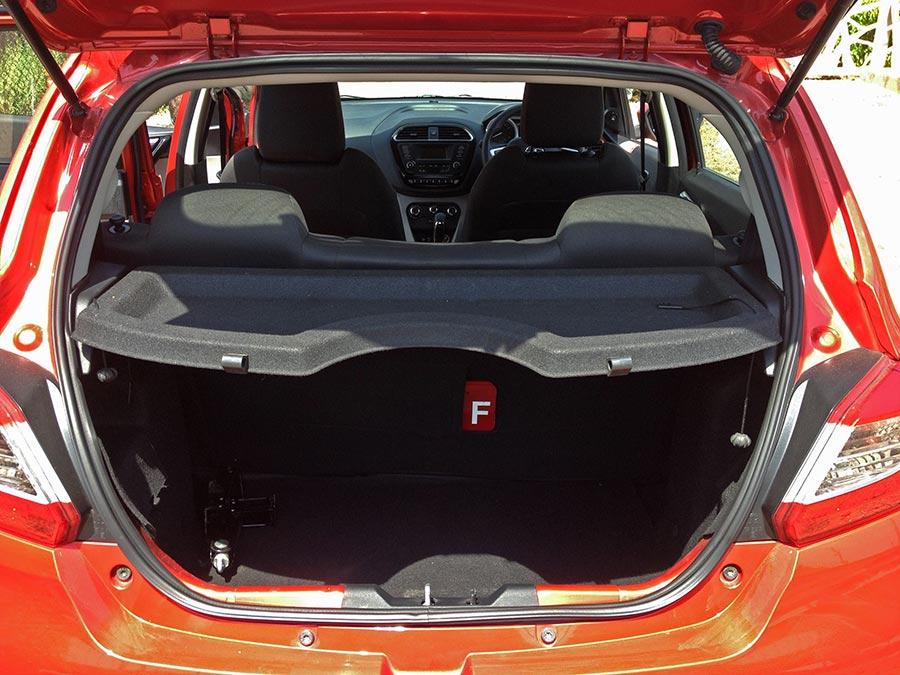 Car That Runs On Air >> Tata Tiago XZA (Automatic) Review – The Automatic Choice - GaadiKey
