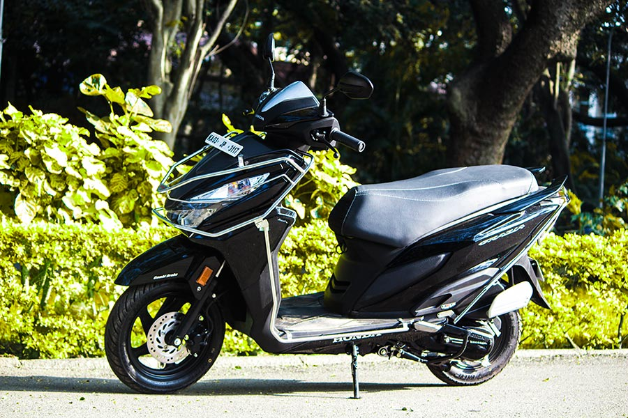 Honda Grazia Review The Brightest Scooter Yet Gaadikey