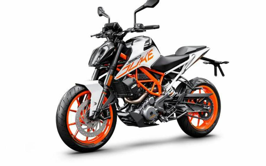 lamborghini rc car with 2018 Ktm Duke 390 Gets White Color Option on Build The Lamborghini Huracan together with Assorted Car Train Wrecks Gifs November 2016 besides 1028773 infiniti Unveils Real World Vision Gt Supercar Concept moreover Boat Light Package moreover 8.