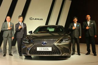 Lexus LS500h Makes it to India