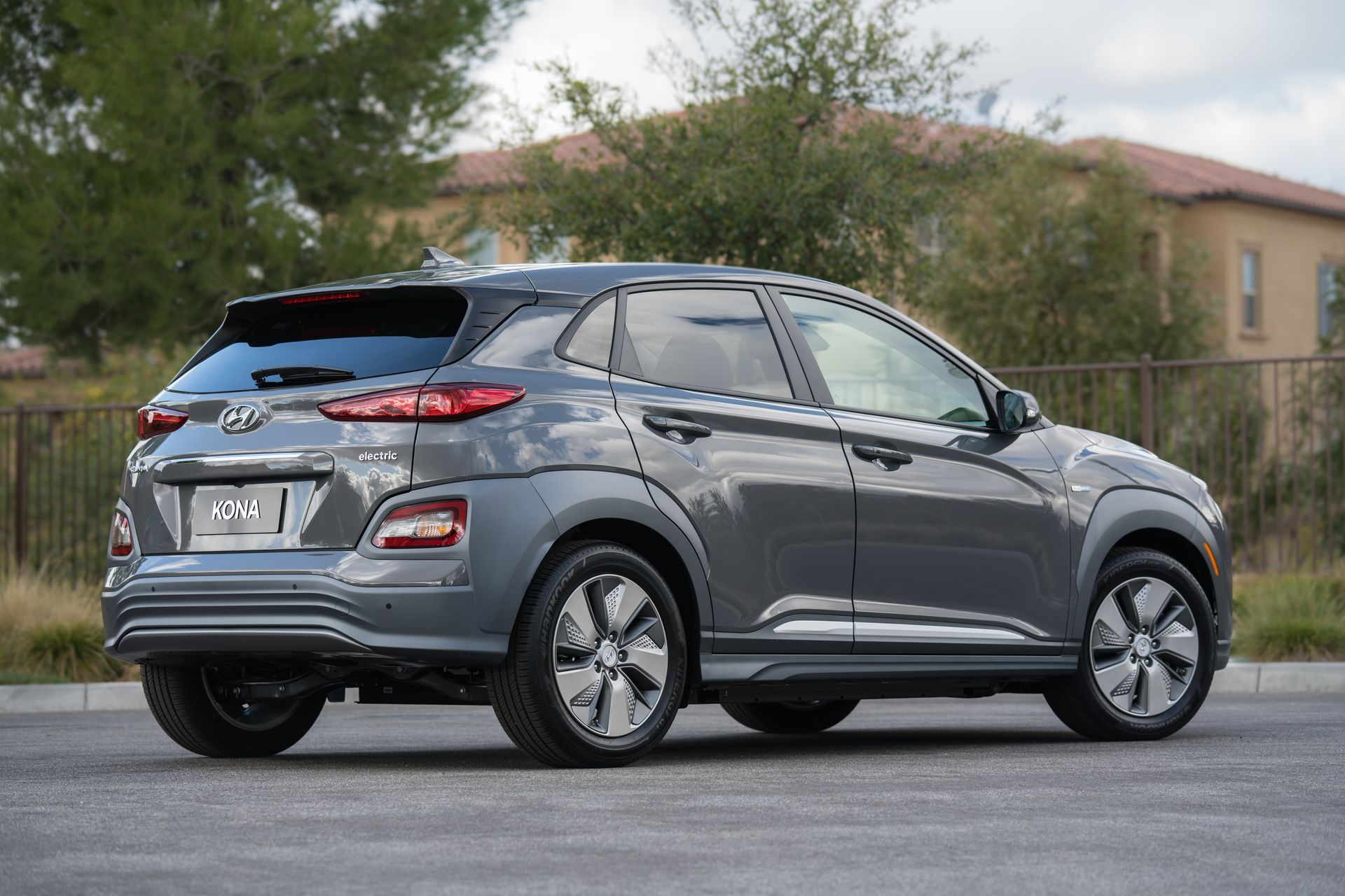 hyundai kona electric suv india launch date and price revealed gaadikey. Black Bedroom Furniture Sets. Home Design Ideas
