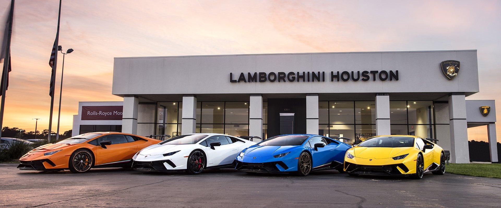 Lamborghini registers 11% Growth in First Half of 2018 - GaadiKey
