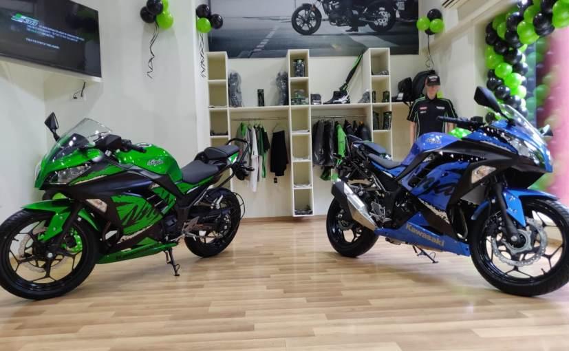 2018 Kawasaki Ninja 300 Is Now Rs 1 000 Cheaper Than Bmw G310r