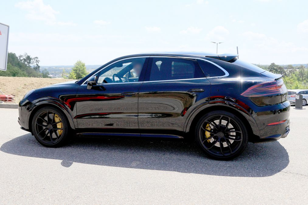 Porsche Cayenne Coupe Spied Rivals Bmw X6 And Audi Q8