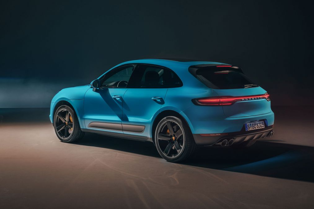 2019 Porsche Macan Unveiled India Launch By Early 2019 Gaadikey