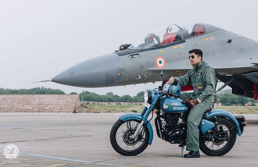 Royal Enfield Classic 350 Blue Airbourne Blue Color variant