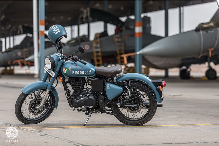 Royal Enfield Classic 350 Airbourne Blue Color Option