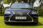 Lexus ES 300h - Front Spindle Grille