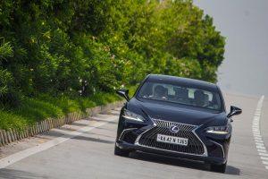 Lexus ES300h Drive
