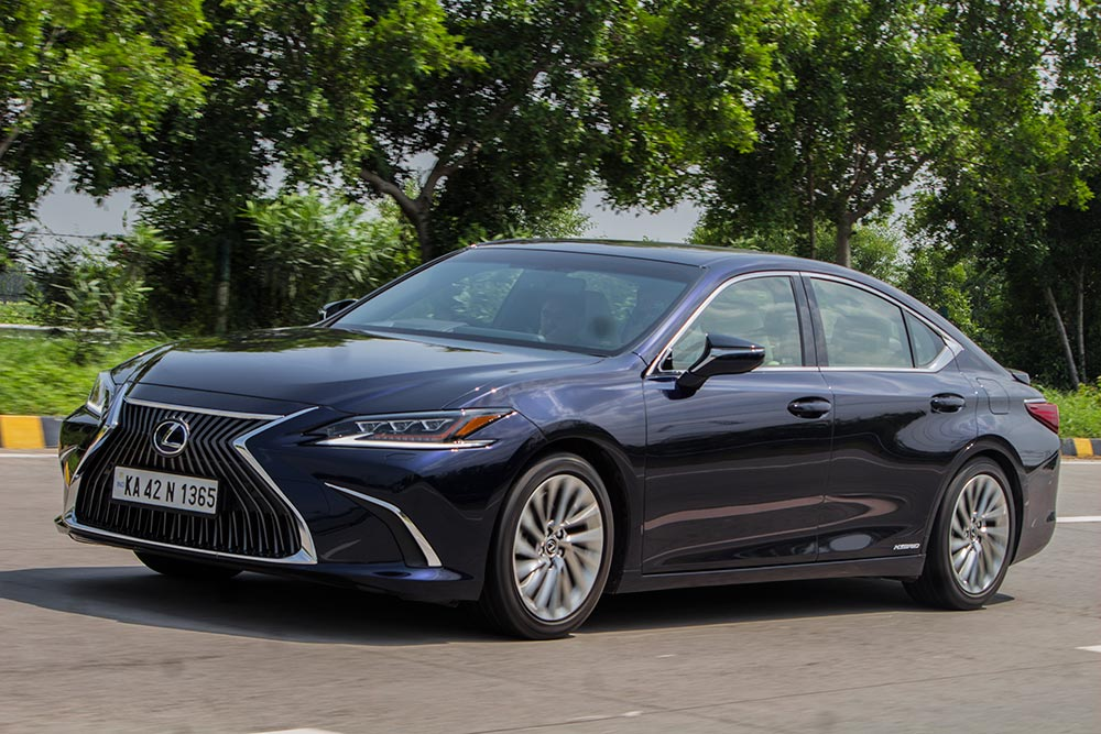 Lexus ES 300h Sedan