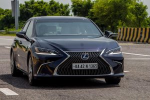 2018 7th Generation Lexus ES300h