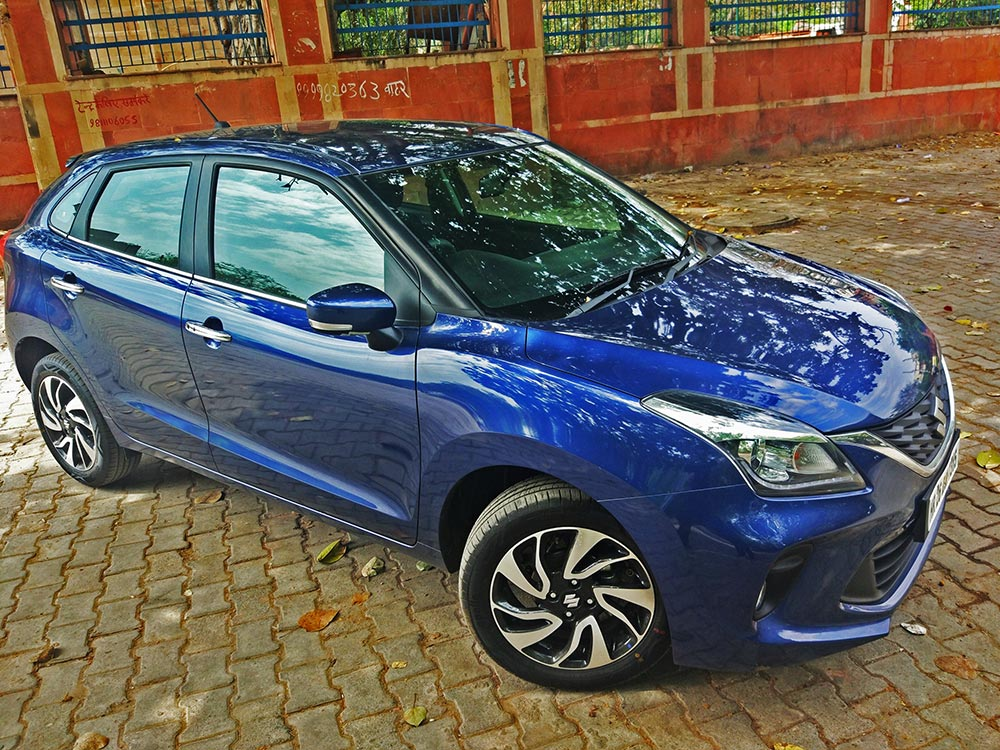 2019 Baleno New  - Maruti Baleno Front Side View Alloy wheels - New Baleno Nexa Blue Color