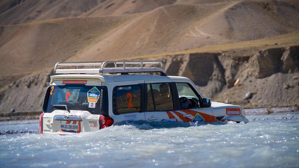 Mahindra Bolero Scorpio Under Water