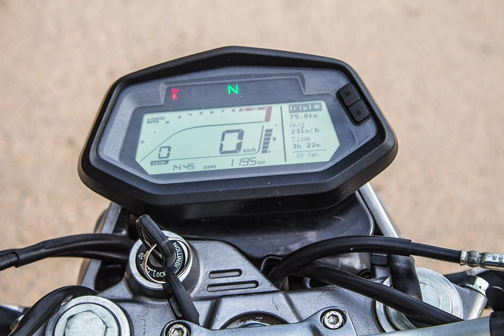 Hero XPulse 200T Speedometer, Side Stand Indicator