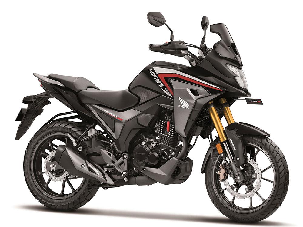 Honda CB200X in Black Color - Pearl Nightstar black color option